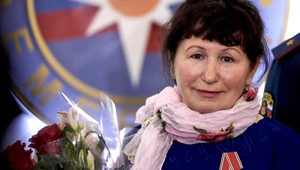 Крановщицу из Санкт Петербурга наградили медалью За отвагу на пожаре