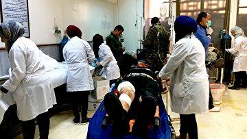 Пострадавшие в результате минометного обстрела террористов города Дераа