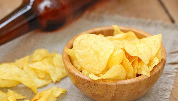 Картофельные чипсы. Архивное фото