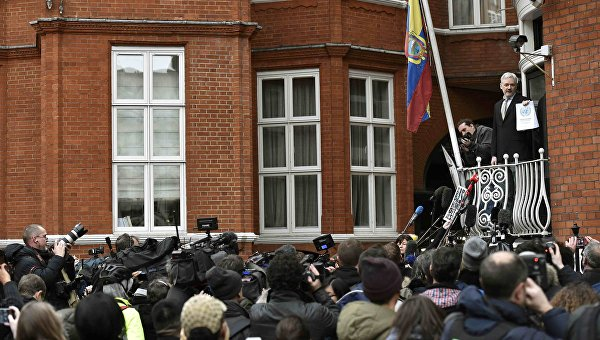 Основатель WikiLeaks Джулиан Ассанж выступает перед журналистами в Лондоне, Великобритания. 5 февраля 2016
