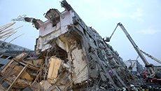 Последствия землетрясения в городе Тайнань на юго-западе Тайваня