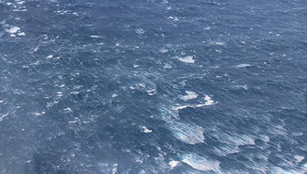 Самолет МЧС провел авиаразведку в Охотском море