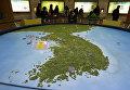 Карта Корейского полуострова в зале обсерватории Южной Кореи. Февраль 2016
