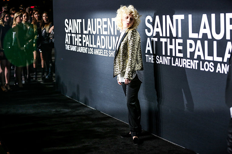 Леди Гага на шоу Saint Laurent