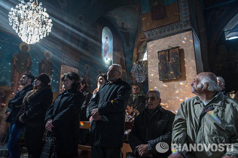 Служба в церкви Святого Илиана в Хомсе