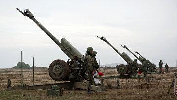 Зенитные орудия на учениях, в рамках внезапной комплексной проверки боеготовности в войсках Южного военного округа