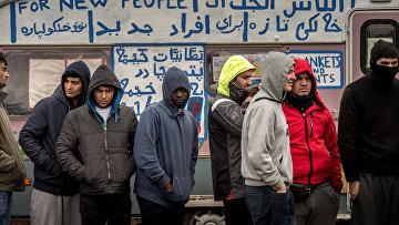 Лагерь для беженцев в Кале. Архивное фото