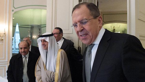 Министр иностранных дел РФ Сергей Лавров и министр иностранных дел Саудовской Аравии Адель Аль-Джубейр во время встречи на полях Мюнхенской конференции по безопасности