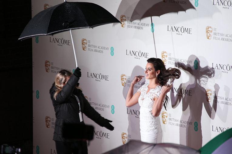 Актриса Пенелопа Крус на церемонии вручения премий Британской академии кино и телевизионных искусств