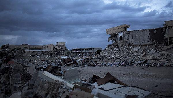 Разрушенные казармы Баб-аль-Азизия в Триполи, Ливия. 2013 год. Архивное фото