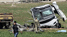 Место взрыва военного конвоя в турецкой провинции Диярбакыр