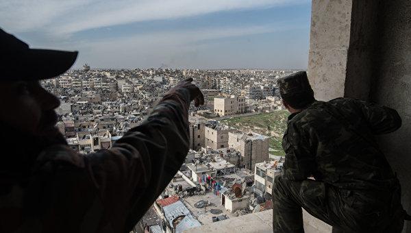 Военнослужащие Сирийской Арабской армии в городе Алеппо. Архивное фото