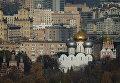 Вид на Новодевичий монастырь со смотровой площадки на Воробьевых горах