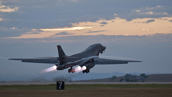 Американский бомбардировщик B-1 на авиабазе Ellsworth. 24 июля 2012