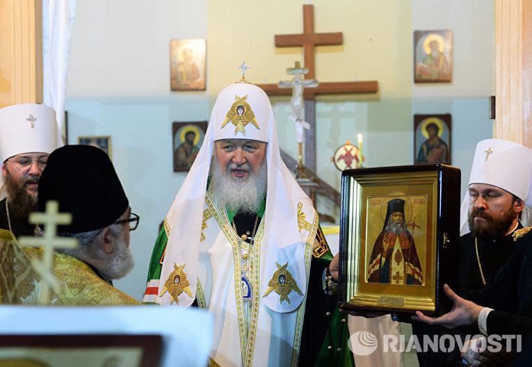 Патриарх Московский и всея Руси Кирилл во время молебна в храме Божией Матери Одигитрия в Бразилии