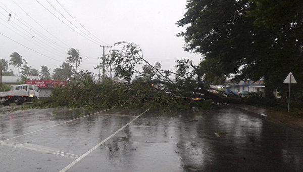Последствия урагана Уинстон на Фиджи. Архивное фото