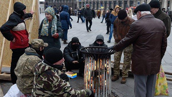 Народное вече радикалов на майдане Незалежности в Киеве