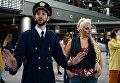 Участники городской танцевальной акции Танцуй, Москва! в аэропорту Внуково