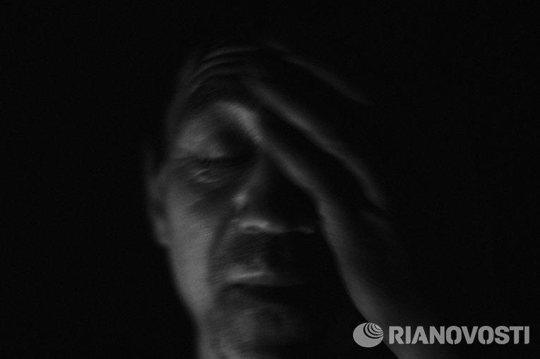 Работа из серии фотографий сделанных на Донбассе в сентябре 2015 года. Сергей Новик, 48 лет, житель села Веселое расположенного около Донецкого аэропорта