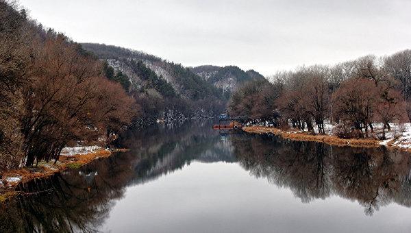 Река Северский Донец в Донецкой области, Украина
