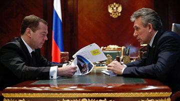 Рабочая встреча премьер-министра РФ Д. Медведева с председателем ВЭБ С. Горьковым