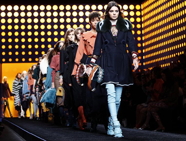 Показ Fendi в рамках Недели моды в Милане, Италия