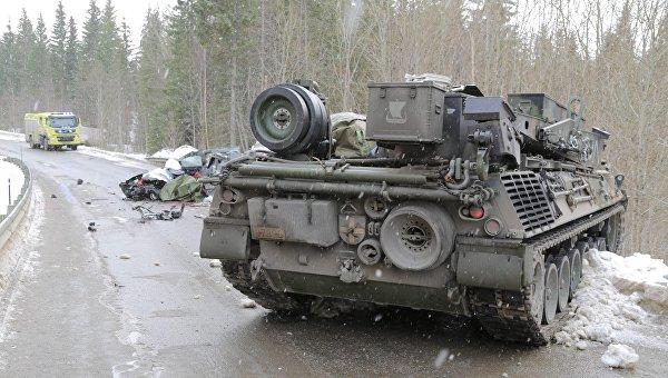 ДТП с танком в районе военных учений в Норвегии, 7 марта 2016