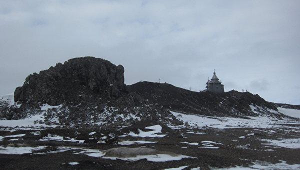 Троицкий храм а Антарктиде