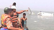 Грузовой самолет Ан-26 упал в море у берегов Бангладеш. Кадры с места ЧП