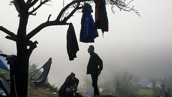Мигранты в лагере на греческо-македонской границе. Архивное фото