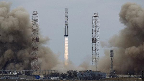 Ракета-носитель Протон-М со станцией ЕxoМars-2016
