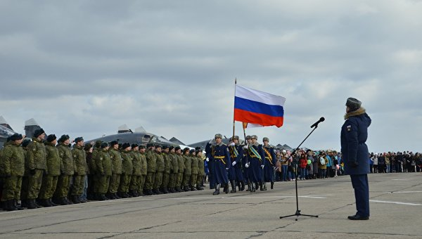 Первая группа бомбардировщиков Су-34 из Сирии приземлилась под Воронежем. Архивное фото
