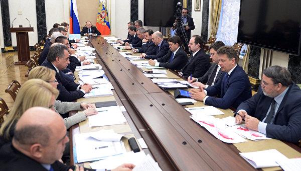 Путин обсудил скабмином индексацию пенсий в 2017-ом году