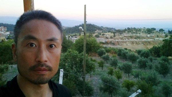 Фотография японского журналиста Дзюмпэя Ясуды во время пребывания в Сирии