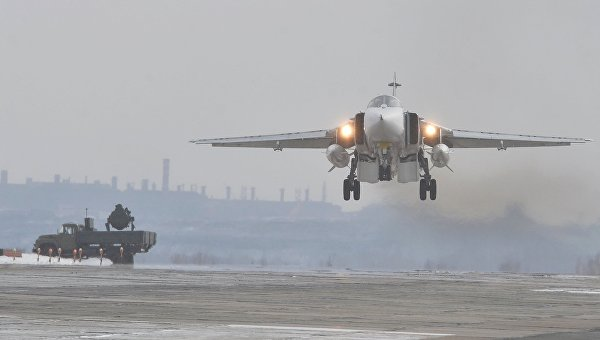 В Челябинскую область вернулись с авиабазы Хмеймим в Сирии три бомбардировщика Су-24М