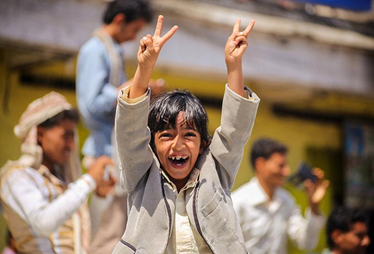Ребенок на улице Таиза, Йемен