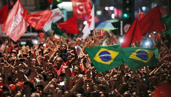 Более 260 тысяч бразильцев участвуют в проправительственных митингах
