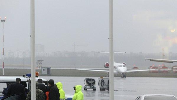 Сотрудники оперативных служб в аэропорту Ростова-на-Дону. Архивное фото