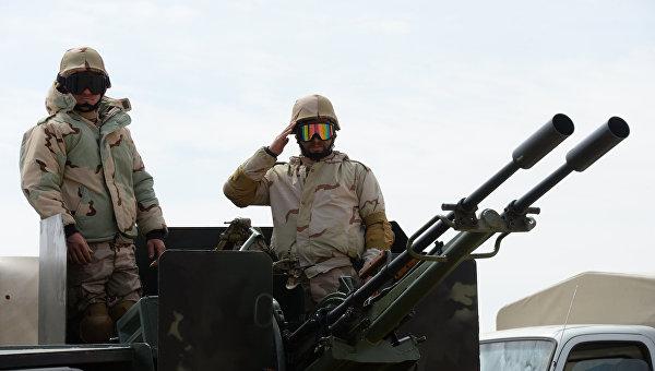 Бойцы отряда народного ополчения Соколы пустыни во время передислокации в районе сирийского города Пальмира. Архивное фото