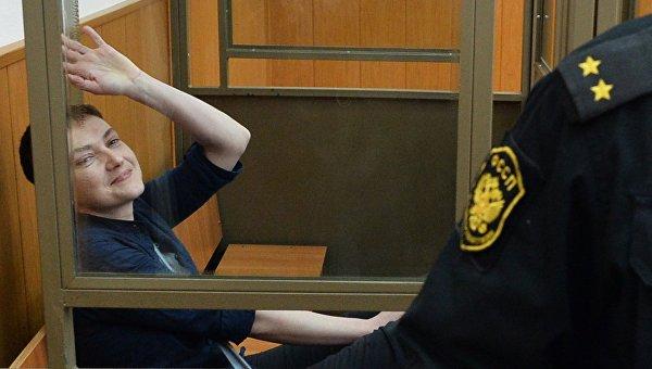 Гражданка Украины Надежда Савченко, обвиняемая по делу о гибели российских журналистов в Донбассе в зале заседаний Донецкого городского суда Ростовской области