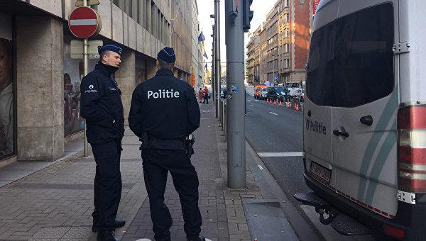 Сотрудники полиции на улице Брюсселя, Бельгия. 22 марта 2016. Архивное фото
