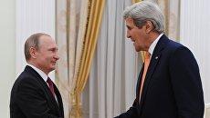 Президент России Владимир Путин и государственный секретарь США Джон Керри во время встречи в Москве. 24 марта 2016. Архивное фото