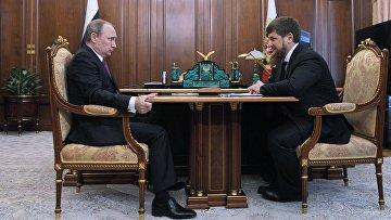 Президент России Владимир Путин и глава Чечни Рамзан Кадыров во время встречи в Кремле. 25 марта 2016