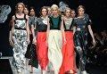 Модели на показе коллекции одежды дизайнера Сергея Сысоева в рамках Недели моды в Москве Сделано в России