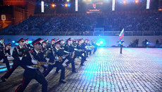 Спасская башня 2014: даосские монахи и танцующие оркестры у стен Кремля