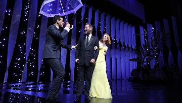 Режиссер Венсан Линдон и актриса Джессика Честейн на церемонии открытия 69-го Каннского кинофестиваля. Архивное фото