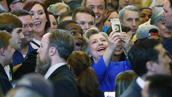 Клинтон иТрамп сравнялись поподдержке