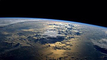 Фотография Земли, сделанная с борта МКС астронавтом NASA Рэдом Вейсманом. Архивное фото