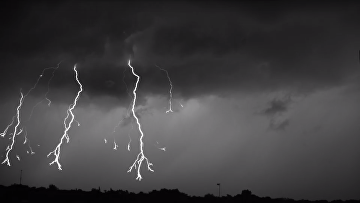 Ученые сняли на видео то, как возникает молния во время грозы