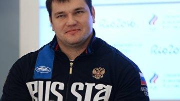 sollevatore di pesi russo Alexei Lovchev.  foto d'archivio